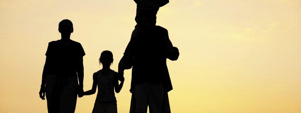 तुमच्या मुलांना देवावर प्रेम करणे सोपे करा                                                लेखक: रे ओर्टलंड